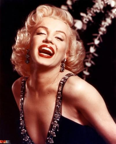 Королева гламура и одна из самых красивых актрис 50-х Мэрилин Монро