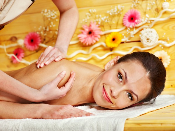 Как делают тайский массаж