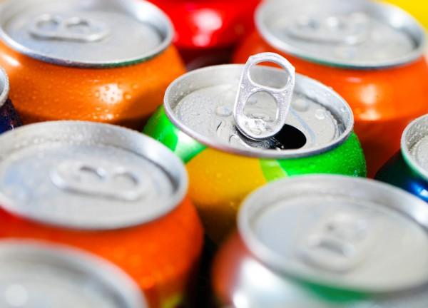Сладкие газированные напитки наносят вред здоровью