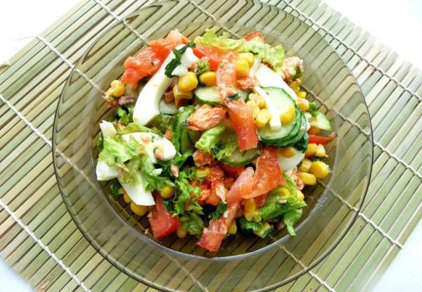 Рецепт                  Рыбный салат с овощами и кукурузой