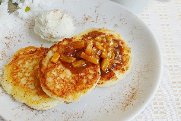 Рецепты из творога сырники с яблоками рецепт с пошагово в духовке