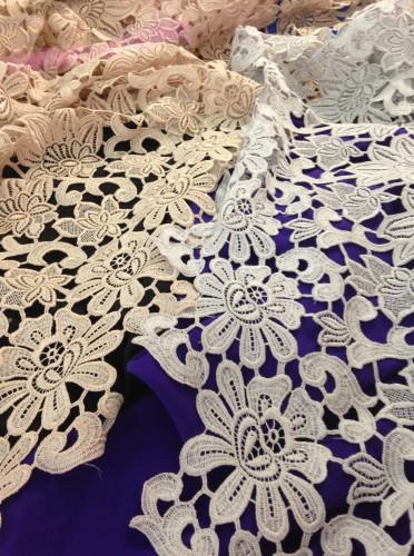 Цвет ткани, нити, вышивки и кружева создавались по авторским эскизам Анастасии Ивановой
