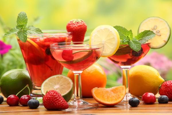 Летом особенно актуальны освежающие коктейли