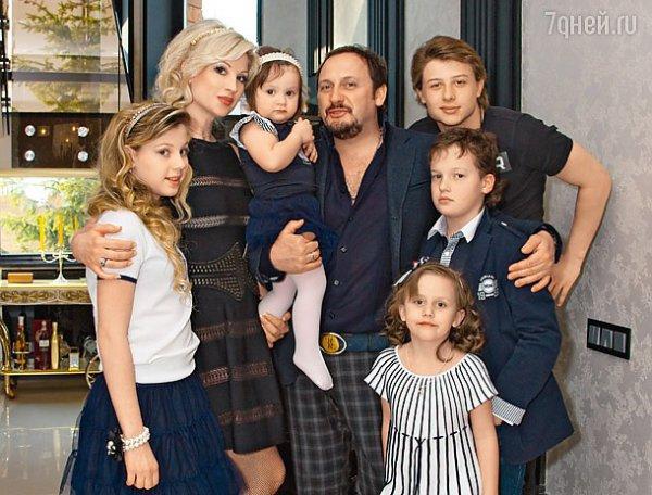 Стас Михайлов стал отцом шестого ребенка