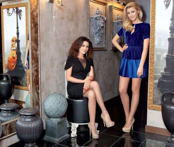 Анастасия Заворотнюк с дочкой очень похожи друг на друга