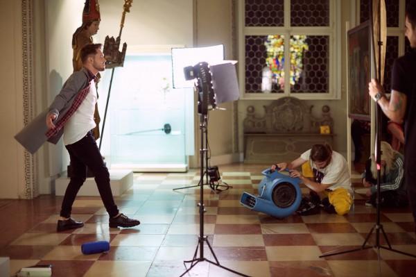 Кадр из клипа Дениса Реконвальда