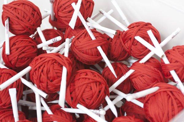 Красный клубочек - новый символ Ukrainian Fashion Week