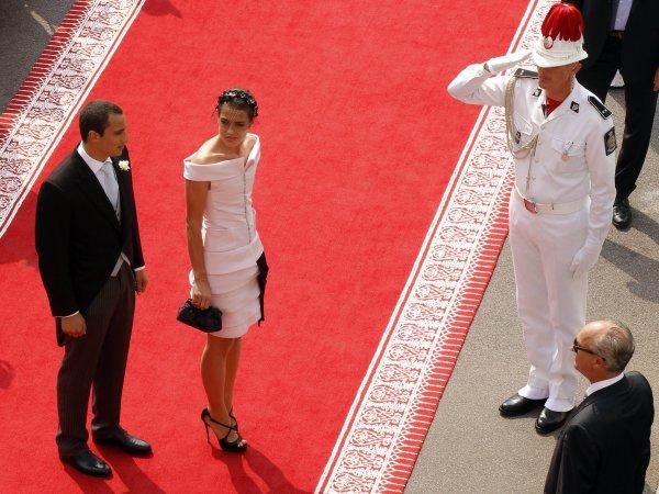 Племянница Альберта, Шарлотта Казираги с бойфрендом Алексом Деллалом прибыли во дворец