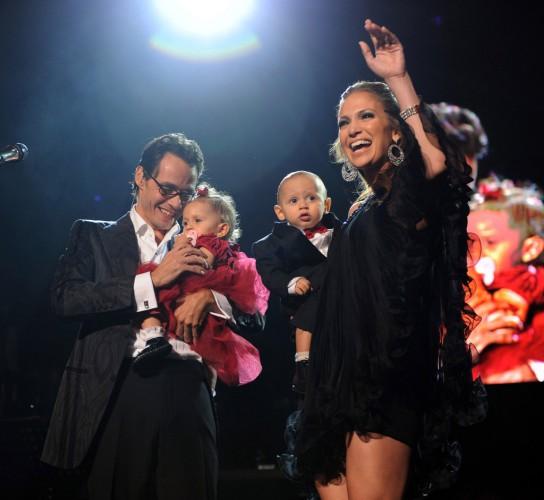 Дженнифер Лопес с Марком Энтони и детьми