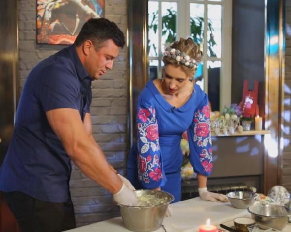 Николай Тищенко поделился своим рецептом приготовления пасхального кулича