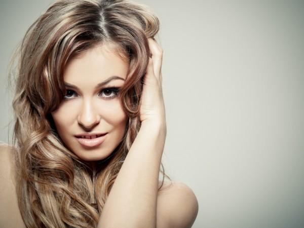 Питательные маски и массаж сделают твои волосы блестящими и здоровыми