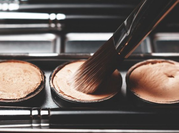 Правила легкого макияжа