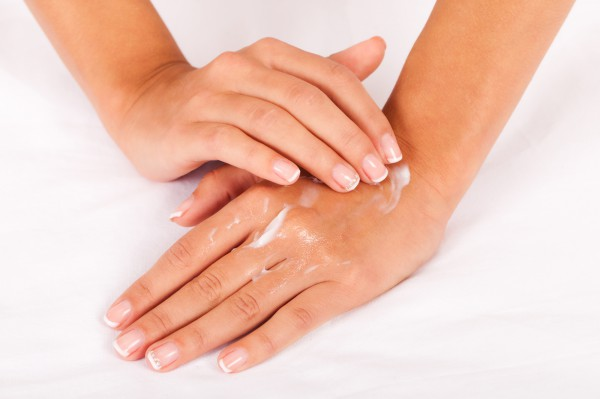Маски для ногтей и кутикулы: ТОП-5