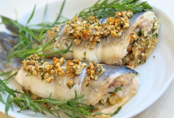 Рецепт                  Сибас, фаршированный орехами и зеленью