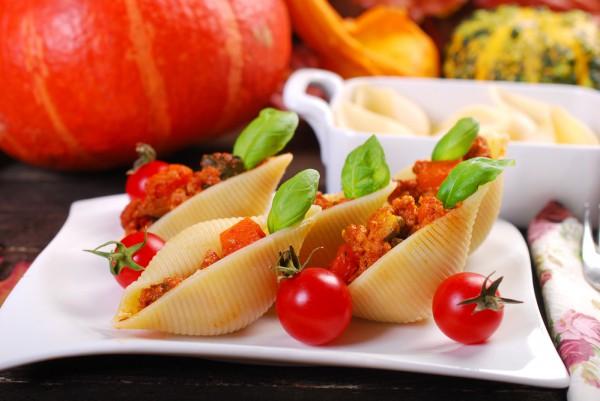 Фаршированные макароны-ракушки