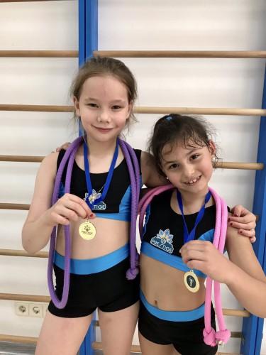 KAMALIYA поделилась спортивными успехами своей чемпионской семьи