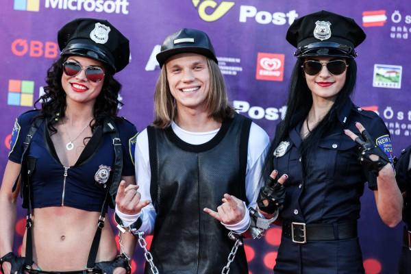 Эдуард Романюта на открытии Евровидения 2015
