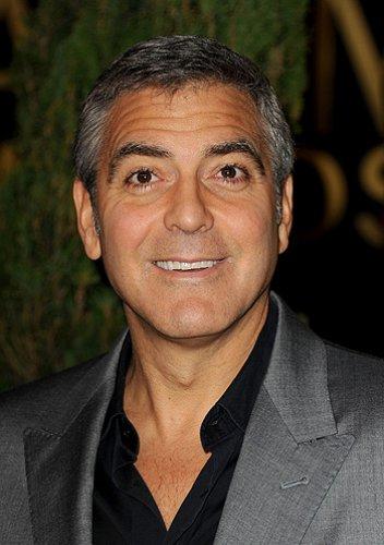 Ходят слухи, что Джордж Клуни предпочитает мужчин