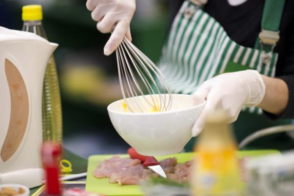 Качественные кухонные приборы помогут готовить быстрее