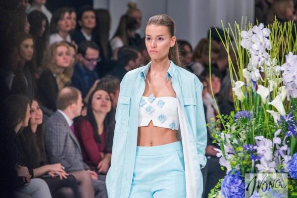 Свою коллекцию весна-лето 2015 Андре Тан посвятил цветам