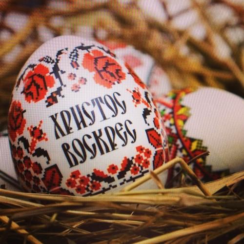 Поздравления с Пасхой на русском и украинском языке в стихах