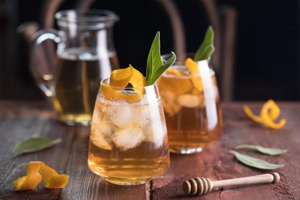Холодный чай с апельсинами