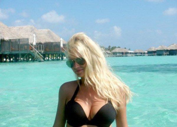 Виктория Лопырева похвасталась фотографиями с отдыха на Мальдивах