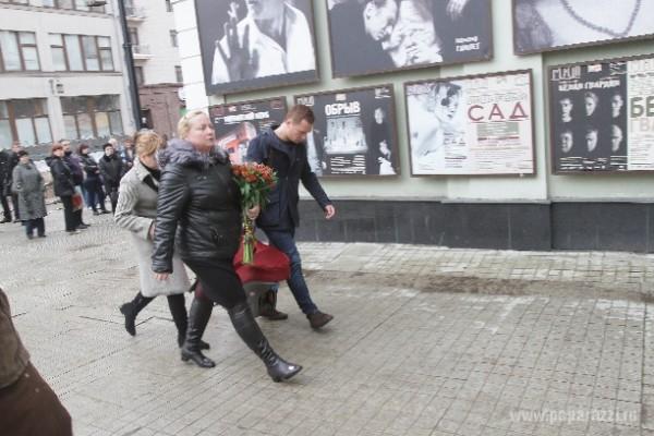 Светлана Пермякова с дочкой и молодым любовником, отцом малышки