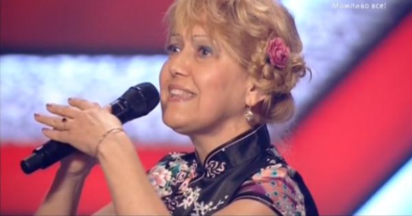 Музыковед Жанна исполнила песню на немецком