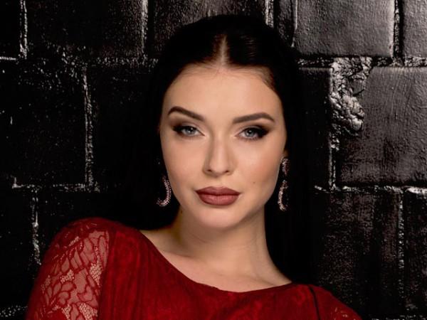 Холостяк 5 сезон: В восьмом выпуске ушла Катя Полехина