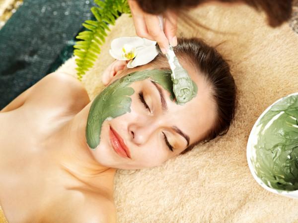 Маски для лица из натуральных ингредиентов добавят коже тонуса