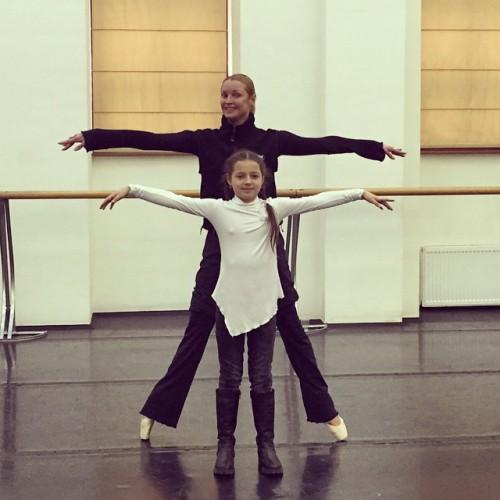 Анастасия Волочкова со своею дочкой Ариадной