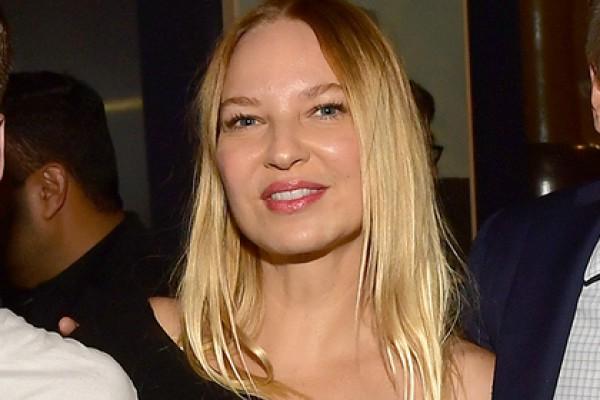Sia появилась на публике без парика