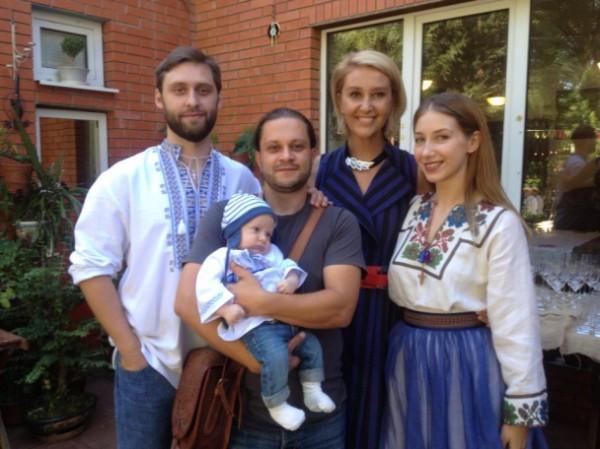 Снежана Егорова окрестила внука и показала фотографии