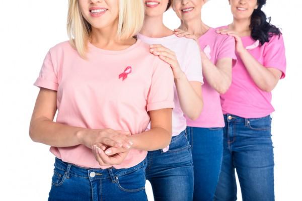 B октябре по всему миру проходят мероприятия, посвящённые борьбе с раком груди
