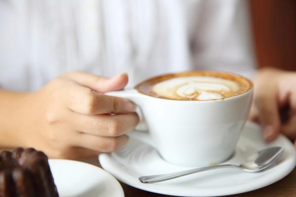 Кава стимулює вироблення кортизолу