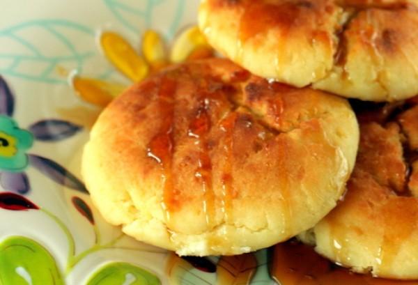 Рецепт сырников с изюмом в духовке