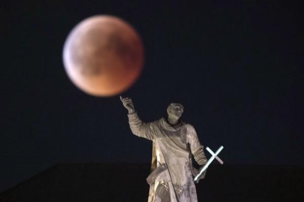 Луна в Дрездене