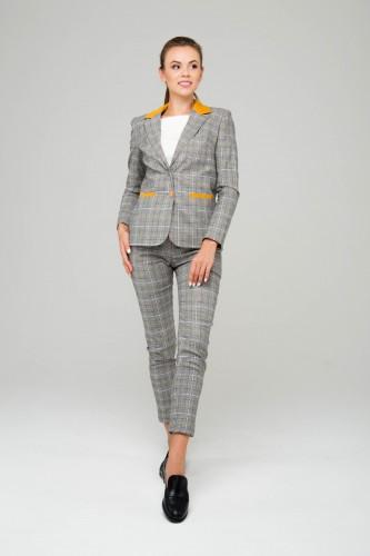db8603a3c1a35 Модные брючные костюмы 2018: варианты с фото
