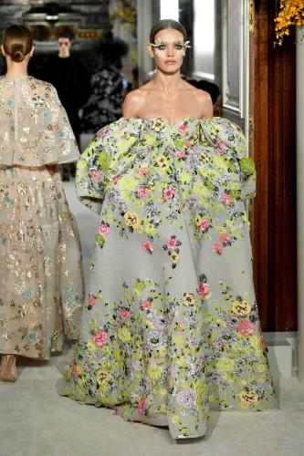 Неделя высокой моды в Париже: Эффектный выход Водяновой