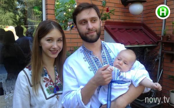 Дочь Снежаны Егоровой с зятем и внуком