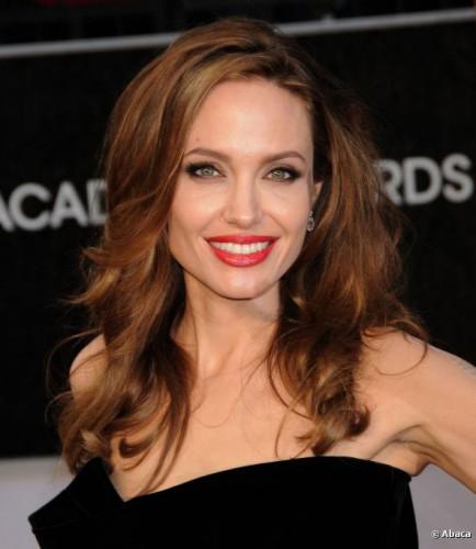 Анджелина Джоли хочет родить еще одну двойню