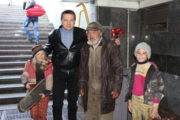 Тимофей Нагорный на съемках фильма Пташинка