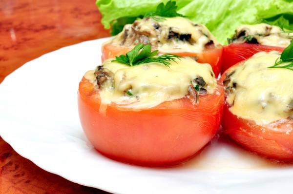 Фаршированные помидоры с сыром и грибами