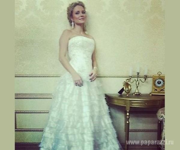 Катя Гордон продемонстрировала собственное свадебное платье