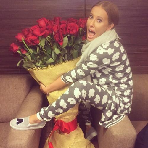 Ксения Собчак решила порадовать себя цветами Филиппа Киркорова