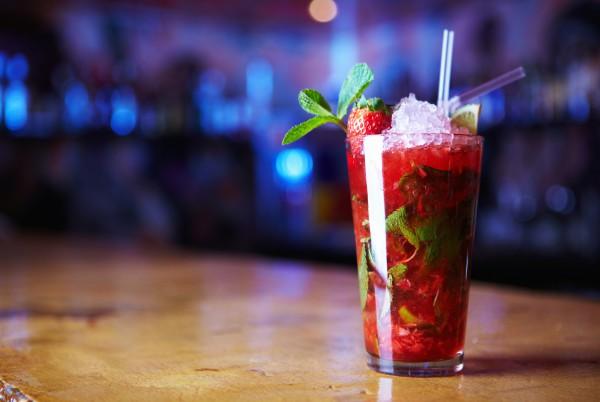 Рецепт                  Клубнично-базиликовый коктейль