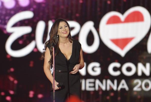 Евровидение 2015 финал: Девушка из Эстонии заплакала