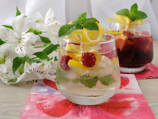 Лимонад с малиной