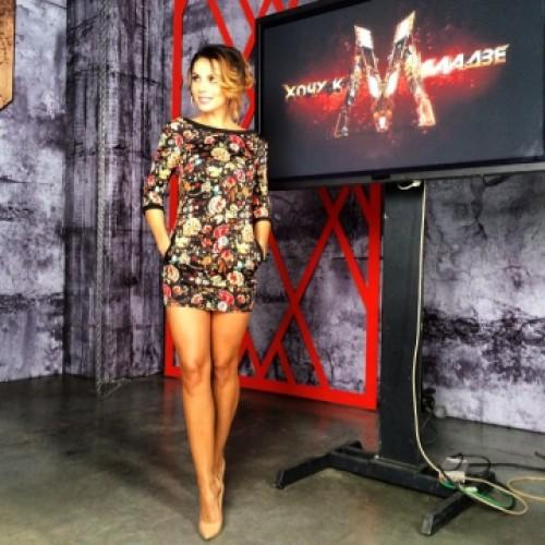 Анна Седокова пошила платье собственного дизайна